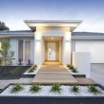 Facade et entrée d'une maison contemporaine blanche australienne