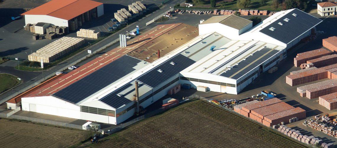 Vue aérienne La Boissière-panneaux photovoltaïques